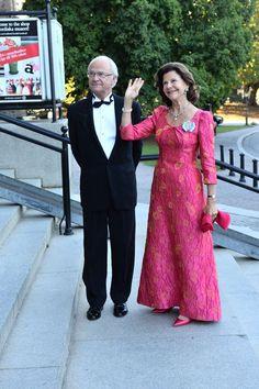 MYROYALS & HOLLYWOOD FASHİON: King Carl Gustaf 's 40th jubilee Celebrations - Dinner:  King Carl Gustaf and Queen Silvia