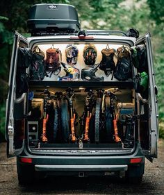 10 Organisational Tips To Stay Tidy While Living Off Grid - Camping Gear & Hiking Equipment Sprinter Van Conversion, Camper Van Conversion Diy, Vw Crafter Camper, Diy Camper, Bike Storage In Van, Downhill Bike, Van Home, Sprinter Camper, Campervan Interior
