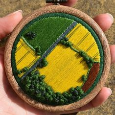 Embroidery Art Captures the Beauty of the English Countryside Hand Embroidery Stitches, Embroidery Hoop Art, Cross Stitch Embroidery, Embroidery Designs, Cross Stitching, Fabric Art, Fabric Crafts, Thread Painting, Needlework