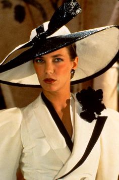 """Evil Under the Sun"" Jane Birkin as Christine Redfern - Fabulous costume design by Anthony Powell Old Movies, Great Movies, Famous Movies, Anthony Powell, Evil Under The Sun, Death On The Nile, Peter Ustinov, Pin Up, Hercule Poirot"