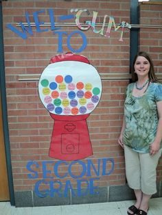 Great back to school bulletin board -- hopefully, that woman doesn't mind having her picture on here!