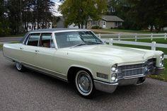 1966 Cadillac Fleetwood Maintenance/restoration of old/vintage vehicles: the… General Motors, Cadillac Eldorado, Cadillac Escalade, Super Pictures, American Classic Cars, Cadillac Fleetwood, Car Goals, Motor Car, Luxury Cars