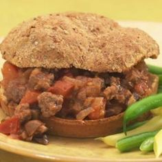 Our updated Sloppy Joe takes lean ground beef and adds chopped cremini mushrooms and diced fresh plum tomatoes, all in a zesty sauce.