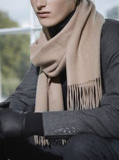 COS   Outdoor accessories for autumn and winter