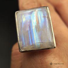 Dimensionale Rainbow Moonstone anello  dimensione 9.5  unico