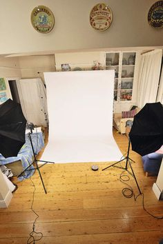 How to set up and use a home photo studio photo-tips Home Photo Studio, Home Studio Photography, Photoshop Photography, Photography Business, Light Photography, Photography Tutorials, Photography Photos, Canon Photography, Newborn Photography