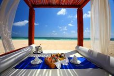 Now THIS is a picnic lunch on the beach!! >> Azul Beach Resort Rivieria Maya, Mexico