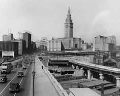 Heading into Downtown Cleveland, Ohio 1929 Vintage Photos of Cleveland Streets) Downtown Cleveland, Cleveland Rocks, Cleveland Scene, County Seat, Lake Erie, Pictures To Draw, Historical Photos, Places To Travel, Vintage Photos
