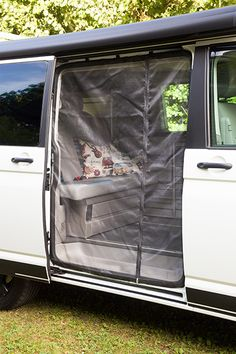 Mosquito Net for sliding door closed - VW Bus & Camper - Mosquito Net for sliding door closed The Effective Pictures We Offer You About van life aesthetic - Vw T5, T3 Vw, Kombi Motorhome, Truck Camper, Rideaux Camping-car, Petit Camping Car, Vw California T6, Luxury Campers, Minivan Camping