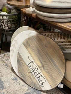 Etsy Co, Serving Tray Wood, Craft Markets, Crafts To Make And Sell, Wood Rounds, Lazy Susan, Turntable, Vintage Decor, Wood Art