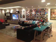 Sala com espaço para trabalhar e estudar... linda!