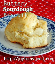 One more perfectly wonderful recipe using the extra sourdough starter you have to discard at a feeding. Make these Buttery Sourdough Biscuits! Sourdough Biscuits, Sourdough Recipes, Bread Recipes, Cooking Recipes, Starter Recipes, Sourdough Cornbread Recipe, Buttermilk Biscuits, Yeast Bread, Kombucha