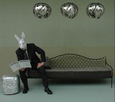http://www.emeryetcie.com/fr/quoi/mobilier/le-geste-de-s-asseoir/modeles/banquettes/ecailles/