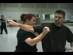 Martial arts: Knife techniques (Block/redirect and counterpart strike) Self Defense Martial Arts, Martial Arts Weapons, Martial Arts Training, Martial Arts Techniques, Self Defense Techniques, Knife Fighting Techniques, Aikido, Tactical Training, Ju Jitsu