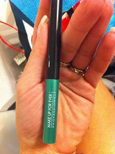 VOX MakeUp - Novità, Prove e Swatches di trucchi e cosmetici, consigli di Make Up: Acquisti da Sephora: Eyeliner Make Up For Ever Aqua Liner N°4 Vert Lagon Diamant