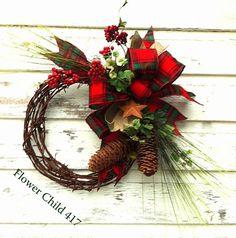 barbed wire wreath/christmas   YeeHaw Rusty Barbed Wire Christmas Wreath in ...   wreath and door de ...