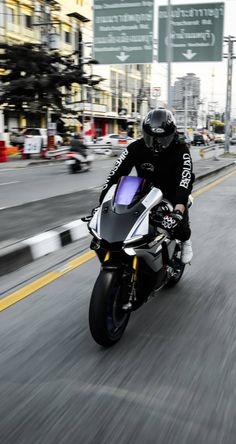 Shared by Motorcycle Clothing - Two-Up Bikes Shared by Motorcycle Fairings - Motocc Yamaha Sport, Yamaha Motorcycles, Yamaha Yzf R1, Motorcycle Design, Motorcycle Outfit, Motorcycle Bike, Moto Car, Moto Bike, Pulsar Motos