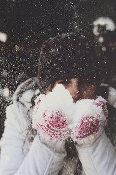 Blow snow kisses