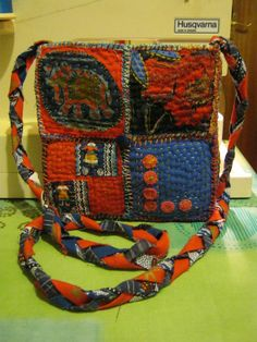 Bunty bag with long strap (front)