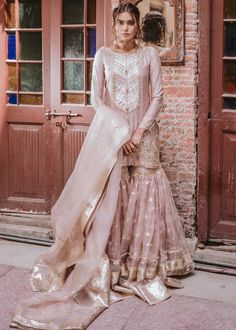 Want to check out some amazing sharara & ghararas? Then you have to see these Pakistani Gharara by designer Mohsin Naveed Ranjha. Nikkah Dress, Shadi Dresses, Pakistani Dresses Casual, Pakistani Wedding Outfits, Pakistani Wedding Dresses, Pakistani Dress Design, Bridal Outfits, Eid Dresses, Elegant Dresses