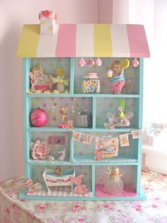 Doll house display shelf