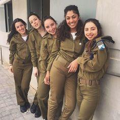 """Képtalálat a következőre: """"idf"""" Military Women, Military Jacket, Israeli Girls, Amazing Women, Beautiful Women, Idf Women, Outdoor Girls, Brave Women, Army Uniform"""