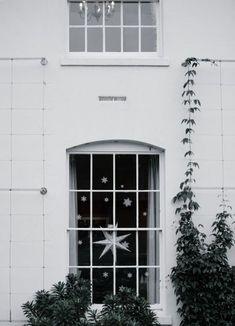 How to Enjoy the Holiday Season as a Minimalist
