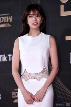 Baek Seung Jo, Korean Drama Series, Playful Kiss, Jung So Min, Young Actresses, Kdrama, All About Time, Moon, Women's Fashion