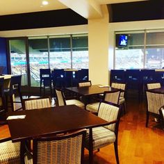 THINK BLUE: The only way to watch a @dodgers  game. From last year. #dodgerstadium #dodgernation #ownersbox #suitelife #owners #dodgers4life #dodgersfan #dodgerblue #suite #dodgers #onlythebest #elite #mlb #winforvin #dodgerfamily #bleedblue #gododgers #losangeles #la #itfdb #ilovela #dodgersforlife #stadium #baseball #bestseatinthehouse #customsbroker by jdiazstyle