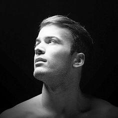 O ator e cantor David Carreira respondeu às perguntas da Switch e revelou novidades para 2015!