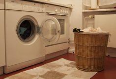 Filléres praktika: mosószert házilag Stacked Washer Dryer, Washer And Dryer, Washing Machine, Household, Laundry, Home Appliances, Hacks, Laundry Room, House Appliances