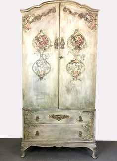 Pasnted with Annie Sloan chalk paint and IOD decoration