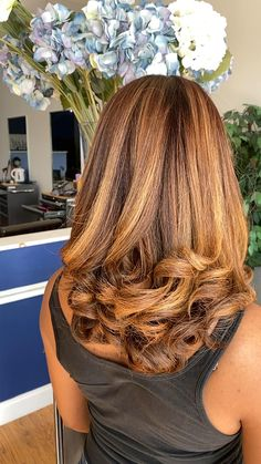 Hair Color For Black Hair, Color On Natural Hair, Highlights On Natural Hair, Black Girl Hair Colors, Honey Brown Hair Color, Pressed Natural Hair, Blonde Natural Hair, Blonde Hair Black Girls, Natural Hair Puff