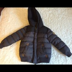 Zara Boys Coat Like new Boys Zara coat. Perfect conditions, my son only grew out of it, & wore it just a few times... Fleece in the inside, & it has elbow patches.  Size Boy 4-5 Zara Jackets & Coats Puffers