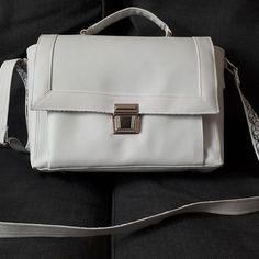 clotildebelin78 Un joli sac Quadrille en taille medium de chez Sacotin. Du blanc pour les beaux jours et les vacances. Encore un bonheur à coudre. #sacotin #sacotinaddict #sacôtin #sacôtinaddict #sew #sewing #couture #coutureaddict #sac #madehome