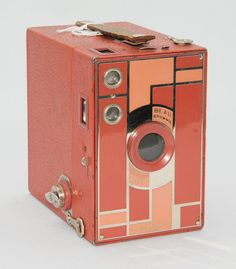 This color is amazing!! Vintage Kodak BEAU BROWNIE 2a Camera Pink/Rose by PastAndPresence, $575.00
