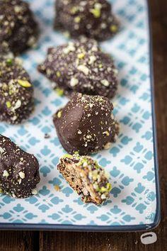 Biscotti di riso vegan con cioccolato e frutta secca