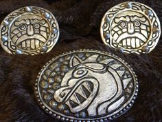 Included are the belt emblem and two shoulder pieces ideal for Halloween or Cosplaying Stoick the Vast from How to Train Your Dragon 2. These have