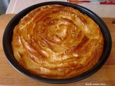 Pastel pasta filo y crema Bakery Recipes, Kitchen Recipes, Gourmet Recipes, Sweet Recipes, Cooking Recipes, Delicious Deserts, Yummy Food, Queen Cakes, Specialty Cakes