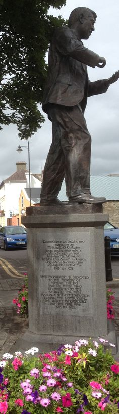 Statue is around the corner from the house where Michael Collins once lived with his sister. Irish Republican Brotherhood, Ireland 1916, Easter Rising, West Cork, Michael Collins, Ireland Homes, 25th Wedding Anniversary, Cork Ireland, Statues