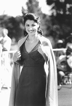 "Poison green DU cana da         "" Anna Netrebko/ One of today's greatest soprano born in 1971, she has an amazing career."".....A-ha-ha :)))"