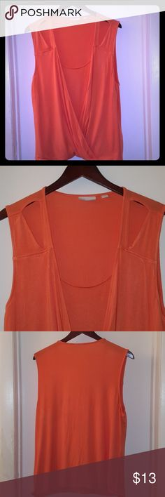 New York & Company peach draped top New York & Company peach draped top. Draped front with feux inner shell. Made of soft super stretchy material, could fit XL -2X. Never worn. No tears, rips, snags, or stains. New York & Company Tops