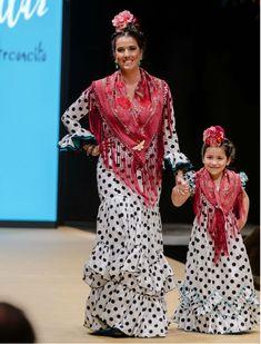 Pasarela Flamenca de Jerez, desfile de Pilar Villar El arconcito con moda flamenca 2018. Foto: Christian Cantizano