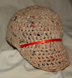 Recycled Plastic Baseball Cap free crochet pattern Source by ilsesiemer . Plastic Bag Crafts, Plastic Bag Crochet, Recycled Plastic Bags, Plastic Shopping Bags, Plastic Grocery Bags, Wallpaper Wall, Free Crochet, Crochet Hats, Base Ball