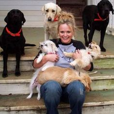 Miranda Lambert's soft spot for animals is well known in country music circles. The singer has her own animal rescue organization, and she's agreed to pitch in to help take care of the many animals displaced by the devastating tornado which hit Moore, Oklahoma on Monday (May 20).
