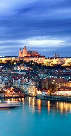 Travel to Prague with Swiss Halley! https://swisshalley.com/en/travel/show-offer/MjgwNg==