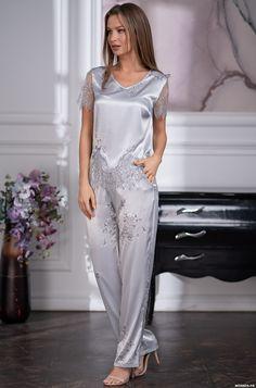 Night Suit For Girl, Night Dress For Women, Pyjama Satin, Satin Pajamas, Pyjamas, Sexy Pajamas, Pajamas Women, Elegant Lingerie, Satin Kimono
