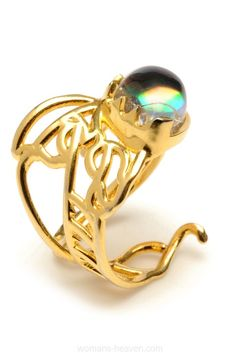 ring,ring photo ring,ring picture,ring image,diamond ring,jewlery, picture, image, photo http://www.womans-heaven.com/ring-picture-36/