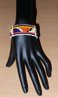 African Maasai bracelet - Bracelet africain Massai (Timeless Fineries)