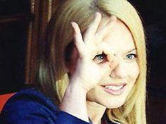 666 hand sign. Geri Halliwell. One Eye Symbolism